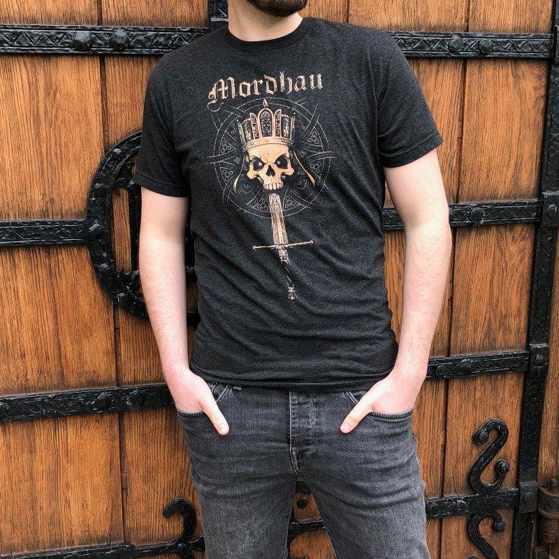 Mordhau Skull (bronze) in Men's Triblend T-Shirt Heather Onyx by Mordhau Merchandise