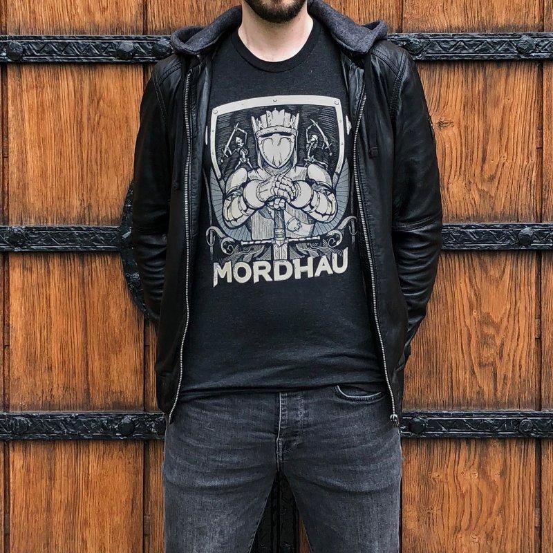 Mordhau Knight (white) in Men's Triblend T-Shirt Heather Onyx by Mordhau Merchandise
