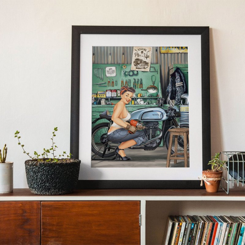 """""""Sweet hands"""": a Pin-Up in a garage? by Pinupart.it - Mad Mac"""
