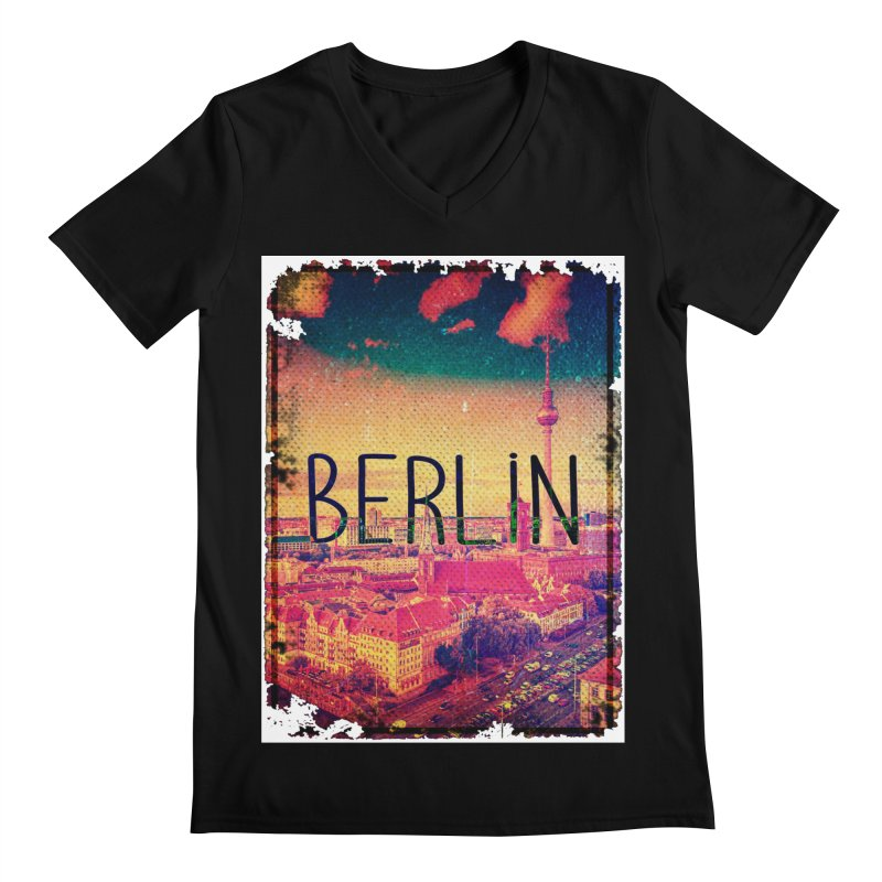 Berlin, vintage Men's V-Neck by ALMA VISUAL's Artist Shop