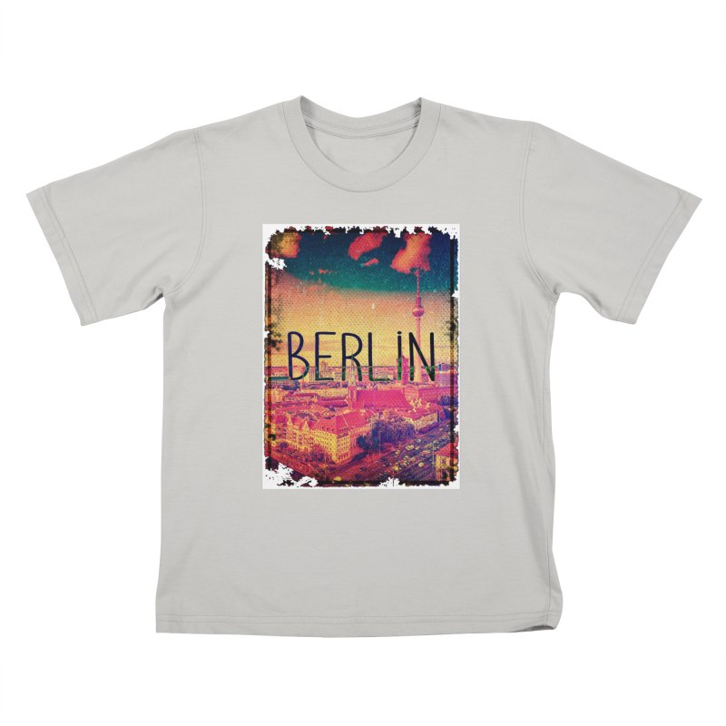Berlin, vintage Kids T-Shirt by ALMA VISUAL's Artist Shop