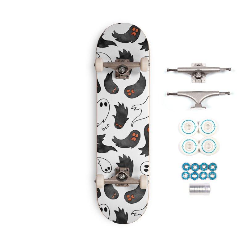 Ghosts Accessories Complete - Basic Skateboard by AdenaJ