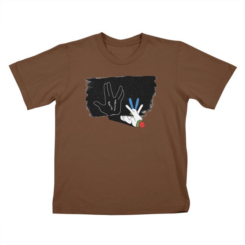 Live Long And Prosper Kids T-shirt by Ellarte Artist Shop