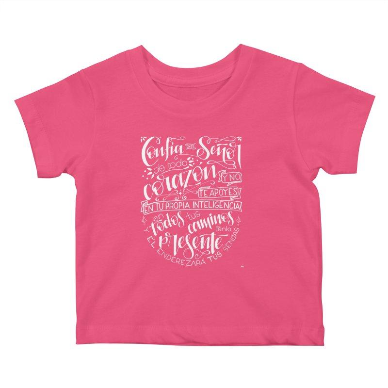 Confía en el Señor - Blanco Kids Baby T-Shirt by Andrea Garrido V - Shop