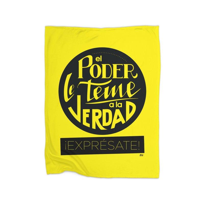 El poder le teme a la verdad Home Blanket by Andrea Garrido V - Shop
