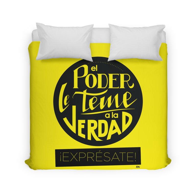 El poder le teme a la verdad Home Duvet by Andrea Garrido V - Shop