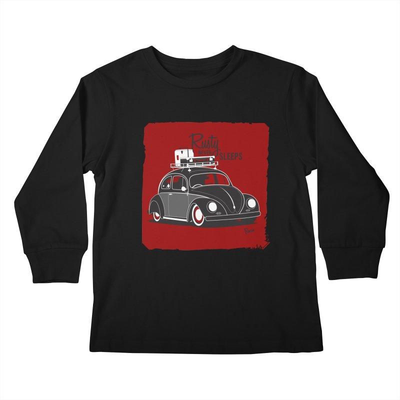 Rusty never sleeps Kids Longsleeve T-Shirt by Andrea Pacini