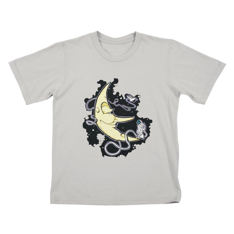 Fly me to tee moon Kids T-shirt by bluesdog's Shop