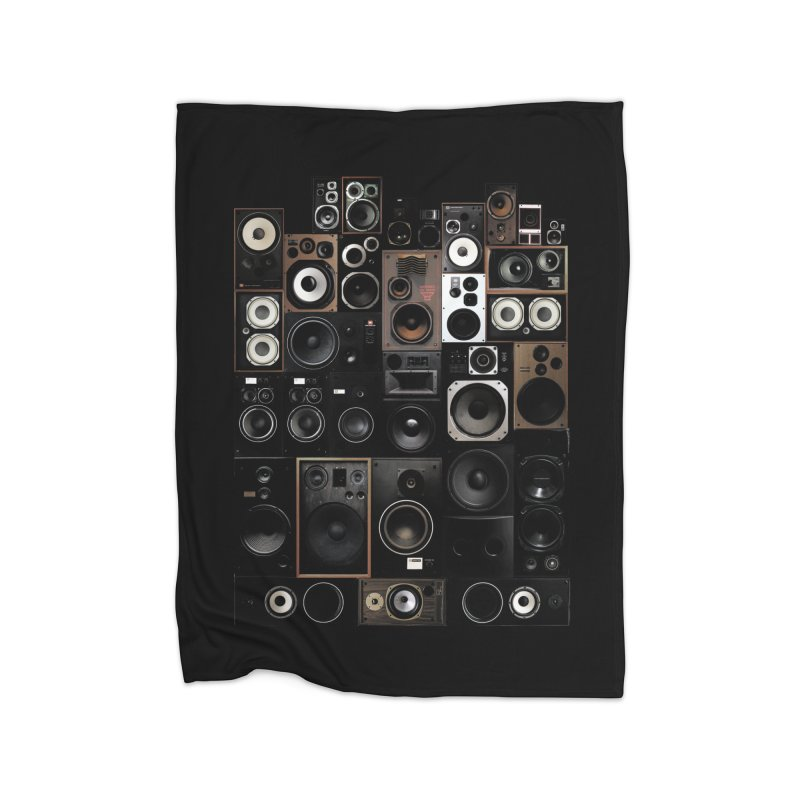 Vintage Speakers Home Blanket by bulo