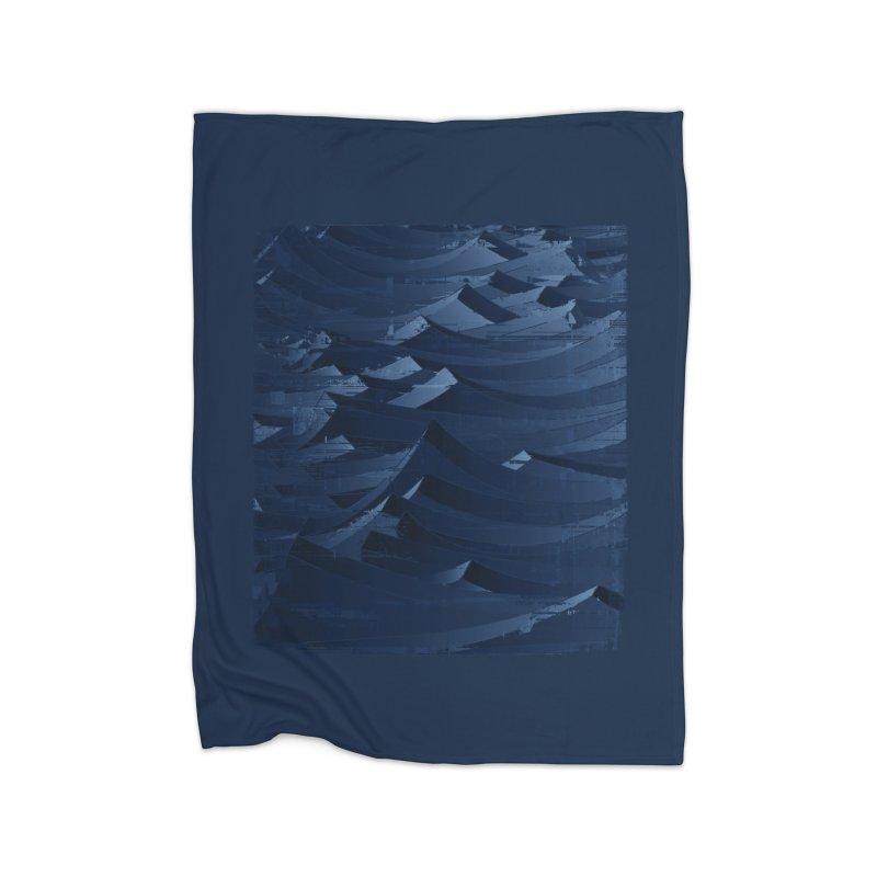 Waves Home Fleece Blanket by bulo
