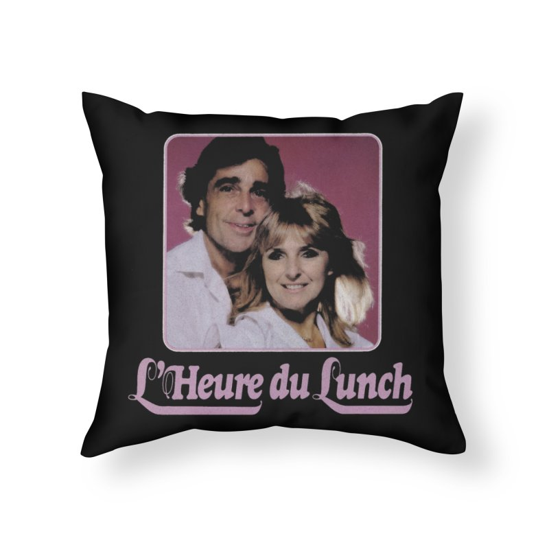 L'heure du lunch in Throw Pillow by Chaudaille