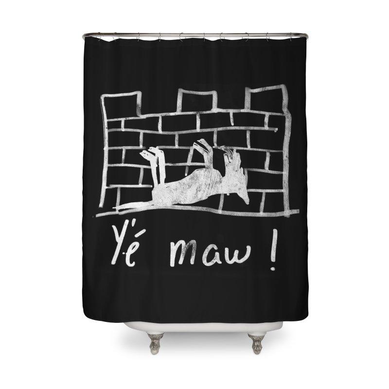 La guerre des tuques Home Shower Curtain by Chaudaille