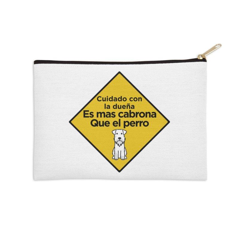 Cuidado con la dueña   by Cesar Peralta