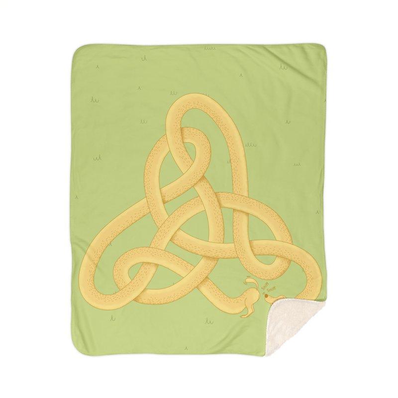 Fragrance Home Sherpa Blanket Blanket by Cumulo 7