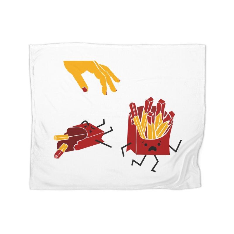 Corre por tú Vida Home Fleece Blanket Blanket by damian's Artist Shop