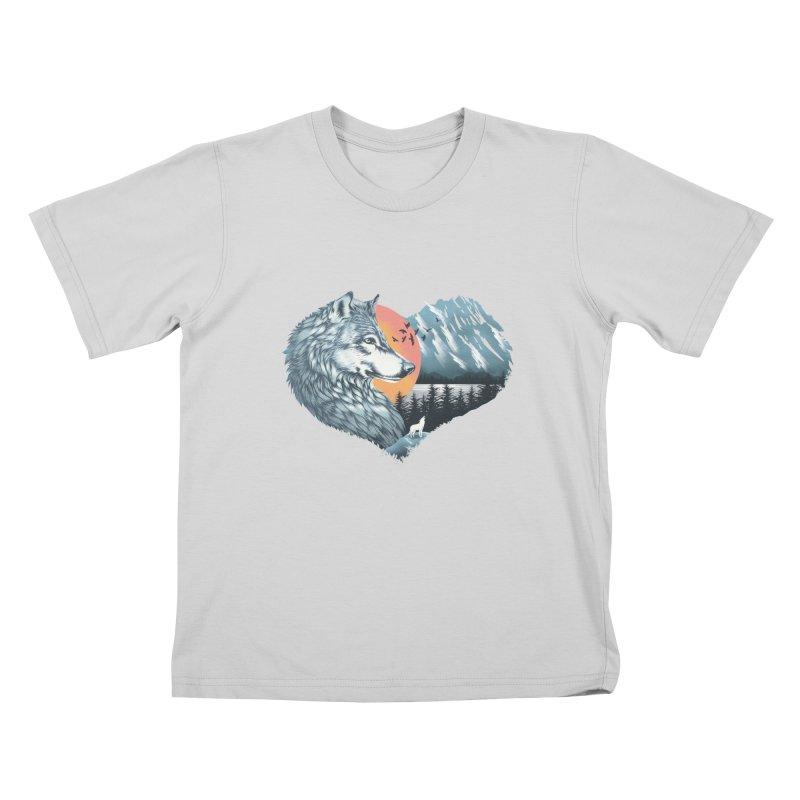As the wild heart howls Kids T-Shirt by dandingeroz's Artist Shop