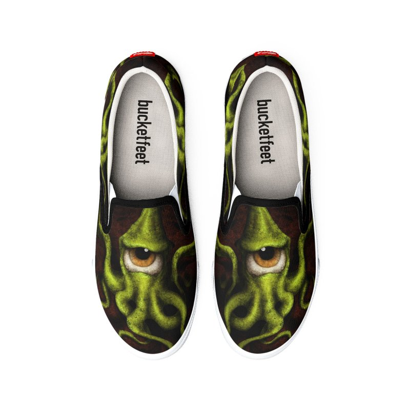 eye of cthulu Men's Shoes by the twisted world of godriguezart