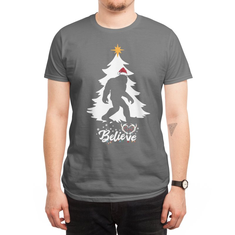Believe Bigfoot Sasquatch Wearing Christmas Hat 2020 Men's T-Shirt by The Tee Supply Co