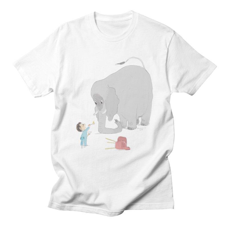Little Leo feeding big Etchoo Men's T-Shirt by Kanjano Shop