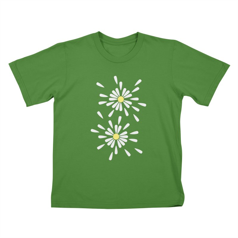 Common Daisy Kids T-Shirt by Kira Seiler