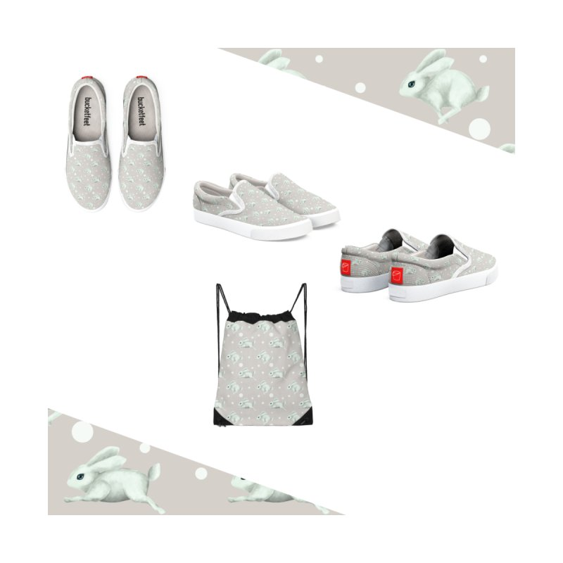 Cute white rabbit runs away Women's Shoes by Kreativkollektiv Friedlos und Streitsüchtig