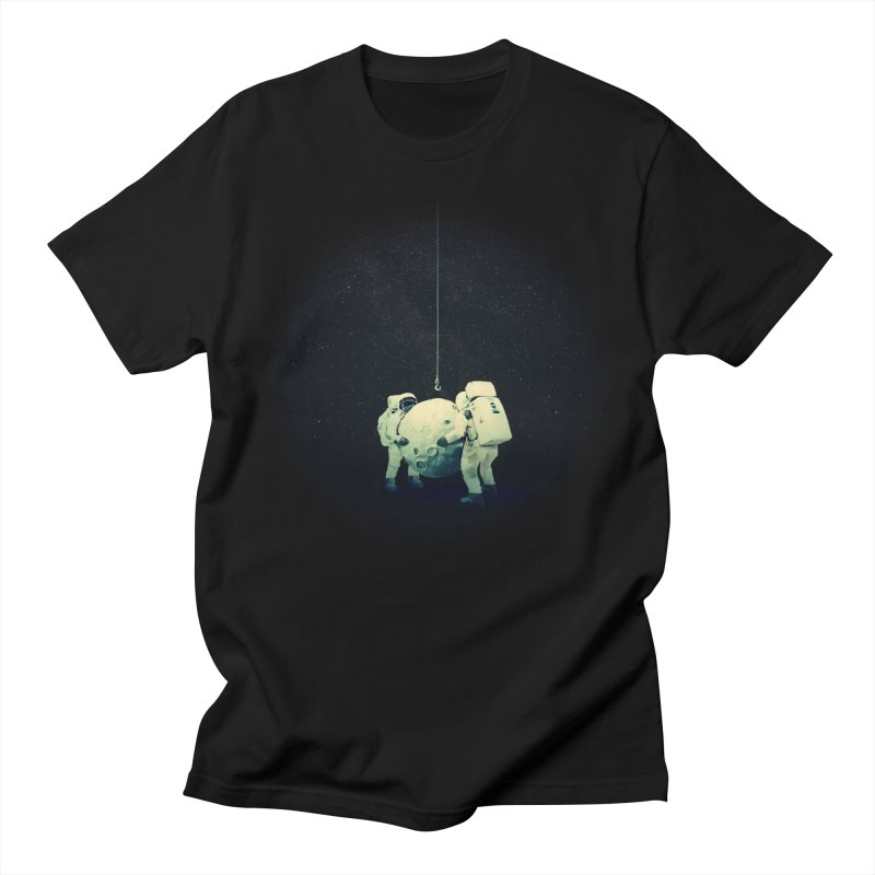 Hanging the moon Men's T-Shirt by lev's Artist Shop