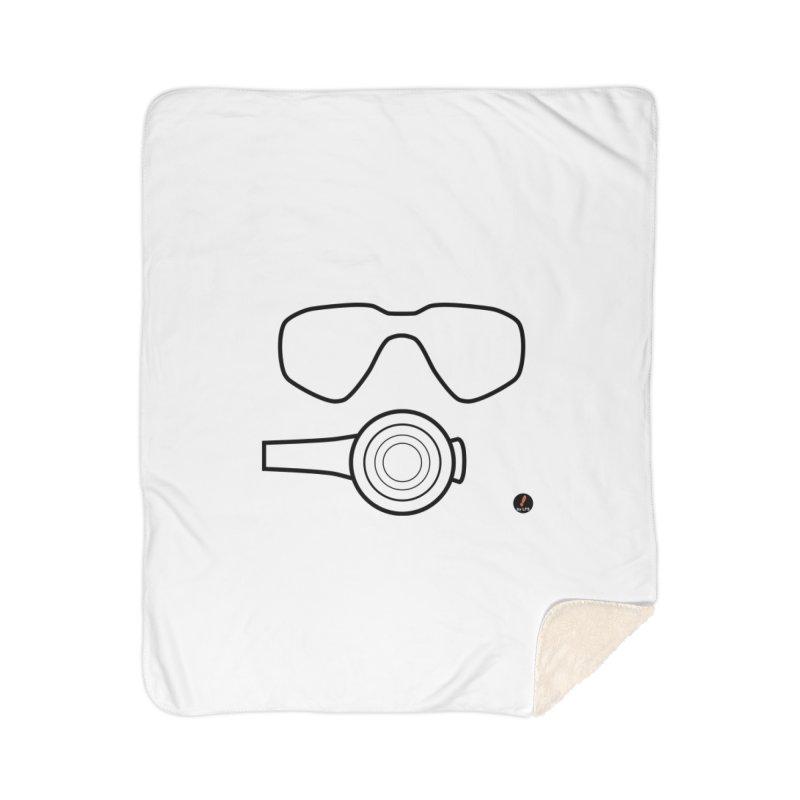 Diving Home Blanket by La Fàbrica dels Somnis / Dissenys