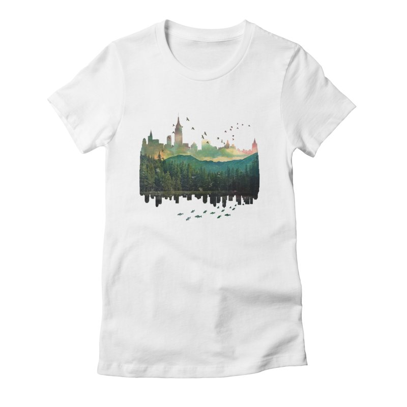 Caught in the middle Women's Fitted T-Shirt by Lost in Space