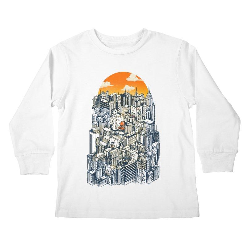 The city that never sleeps takes a break Kids Longsleeve T-Shirt by MadKobra