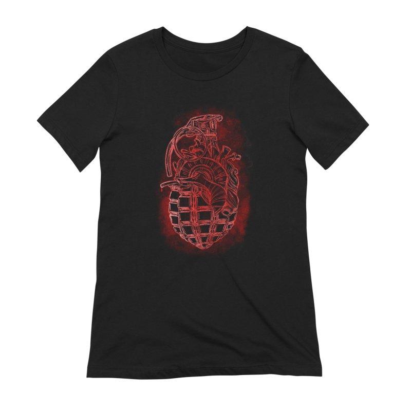 war heart Women's Extra Soft T-Shirt by manuvila