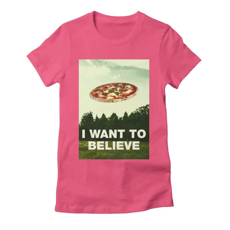 I WANT TO BELIEVE Women's T-Shirt by miskel's Shop