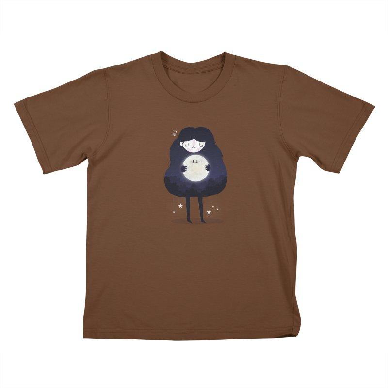 Hug the moon Kids T-Shirt by Maria Jose Da Luz