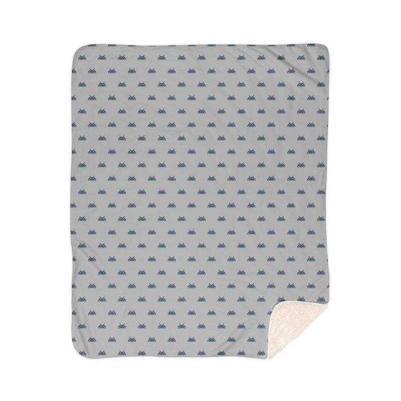 Alien Motif Pattern Home Sherpa Blanket Blanket by Mr Loco Motif