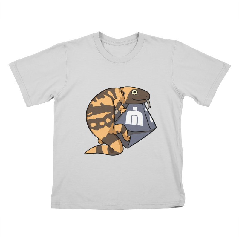 Never Idle - Sue 2019 - Chest Kids T-Shirt by Never Idle