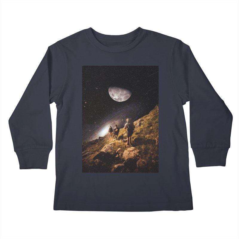 Traverse Kids Longsleeve T-Shirt by nicebleed