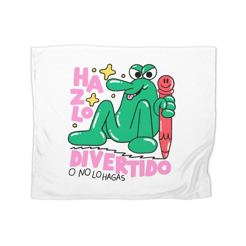 Hazlo divertido o no lo hagas Home Fleece Blanket Blanket by PEIPER's Artist Shop