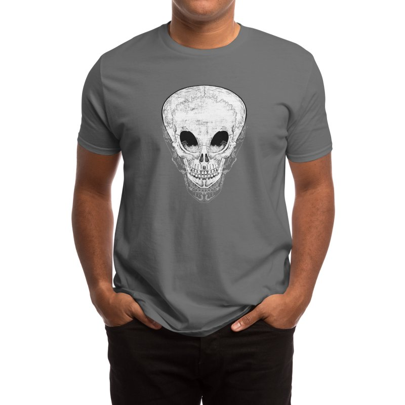 Alien skull lines Men's T-Shirt by playeraschipocle's Artist Shop