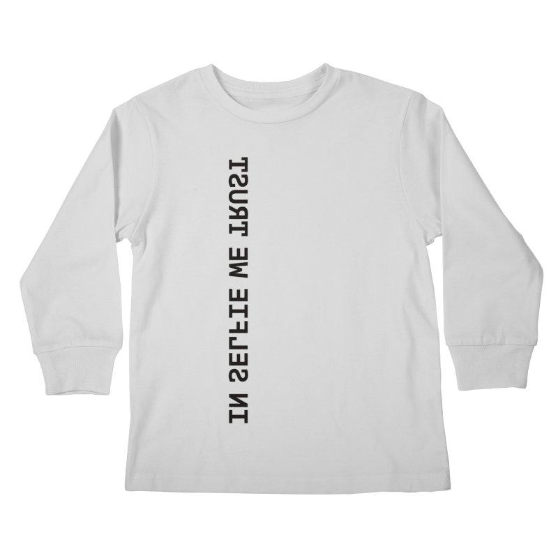 In Selfie We Trust _Zip Kids Longsleeve T-Shirt by Elefunfunt