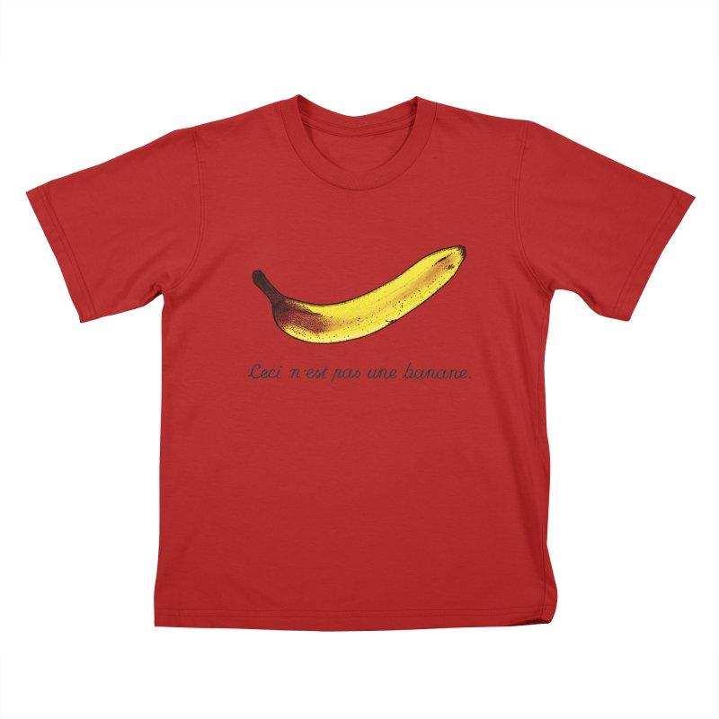Cesi n´est pas une banane. Kids T-shirt by RHAD Shop