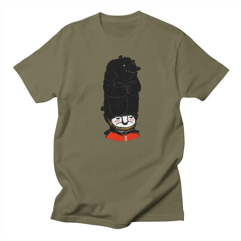 Queen's Guard Hates Hats Men's T-shirt by ronanlynam's Artist Shop