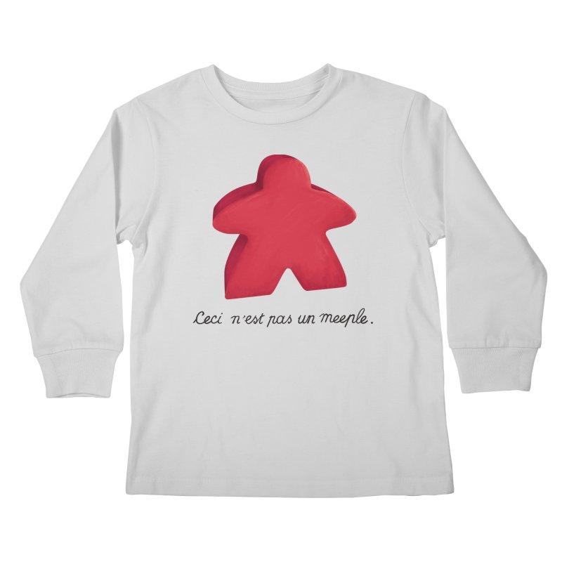 Ceci n'est pas un meeple Kids Longsleeve T-Shirt by Semi Co-op