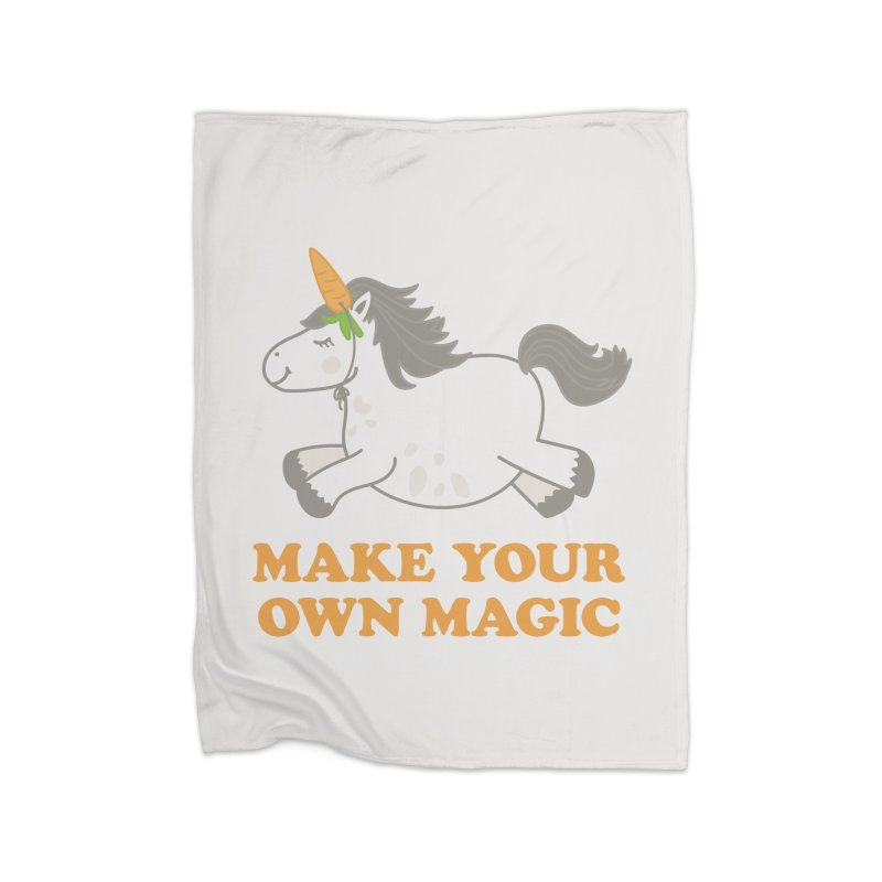 Make Your Own Magic Home Blanket by Calobee Doodles