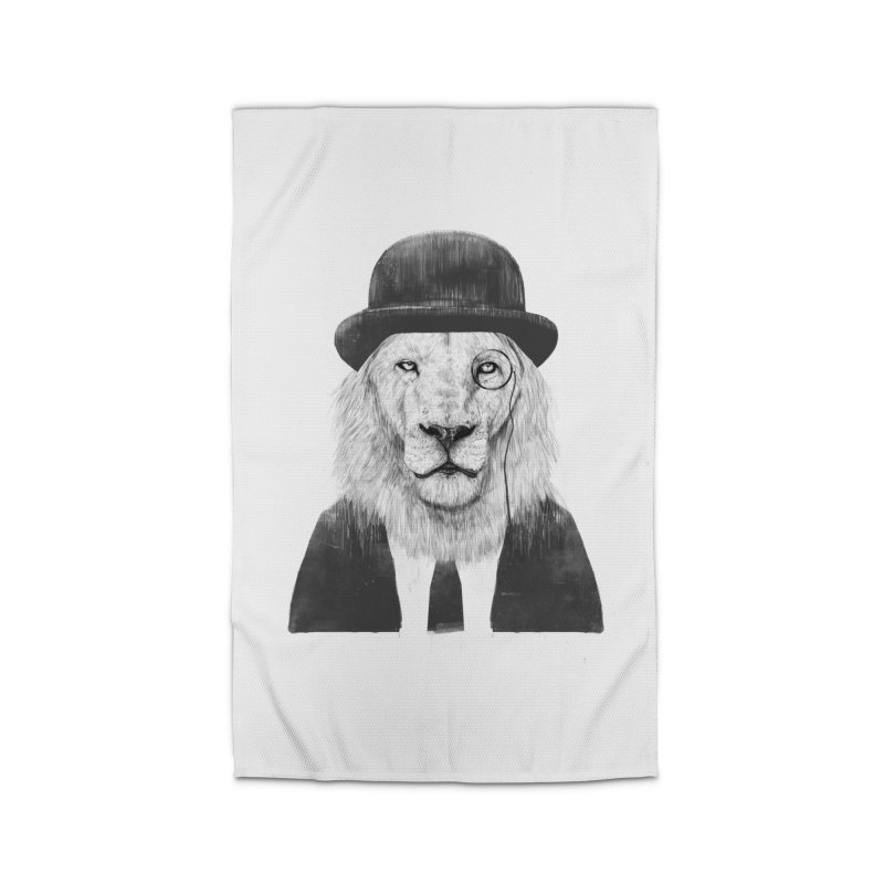 Sir lion Home Rug by Balazs Solti