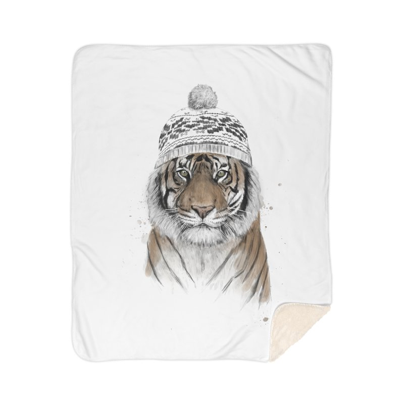 Siberian tiger Home Sherpa Blanket Blanket by Balazs Solti
