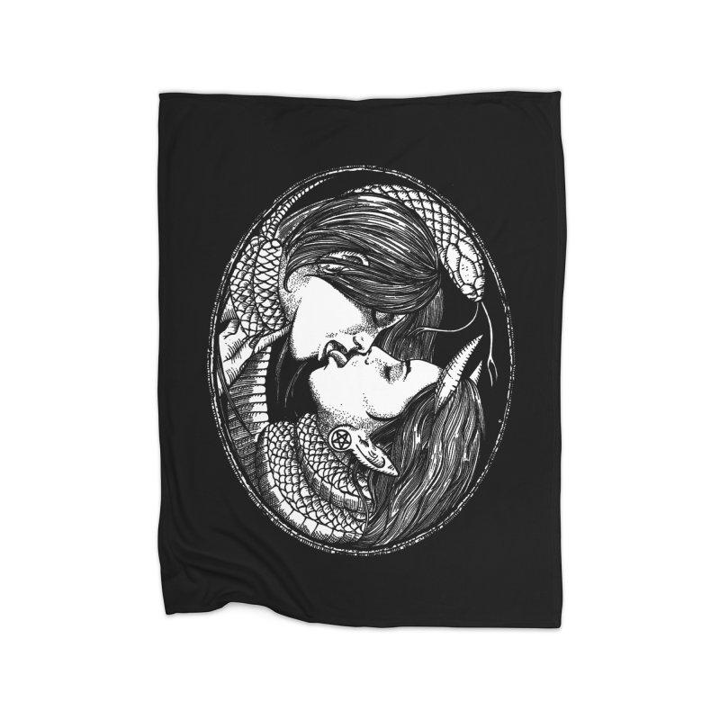 snakekiss Home Blanket by Sp3ktr's Artist Shop