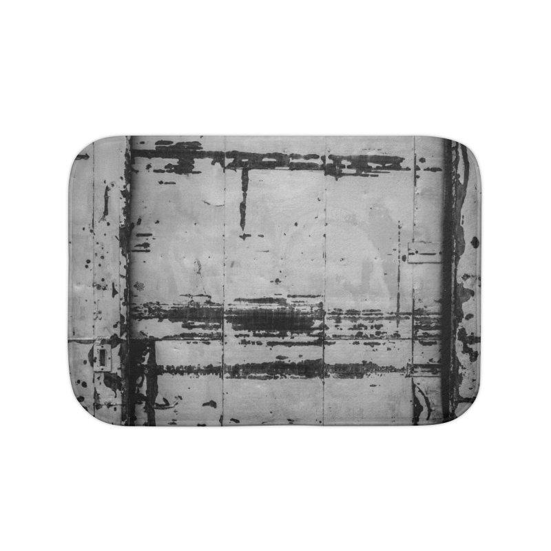 Rough Wall Home Bath Mat by Street Sheets