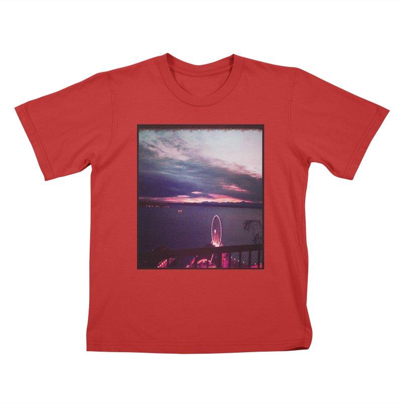 Seattle Sunset Wheel - Seattle Vibe Kids T-Shirt by terryann's Artist Shop