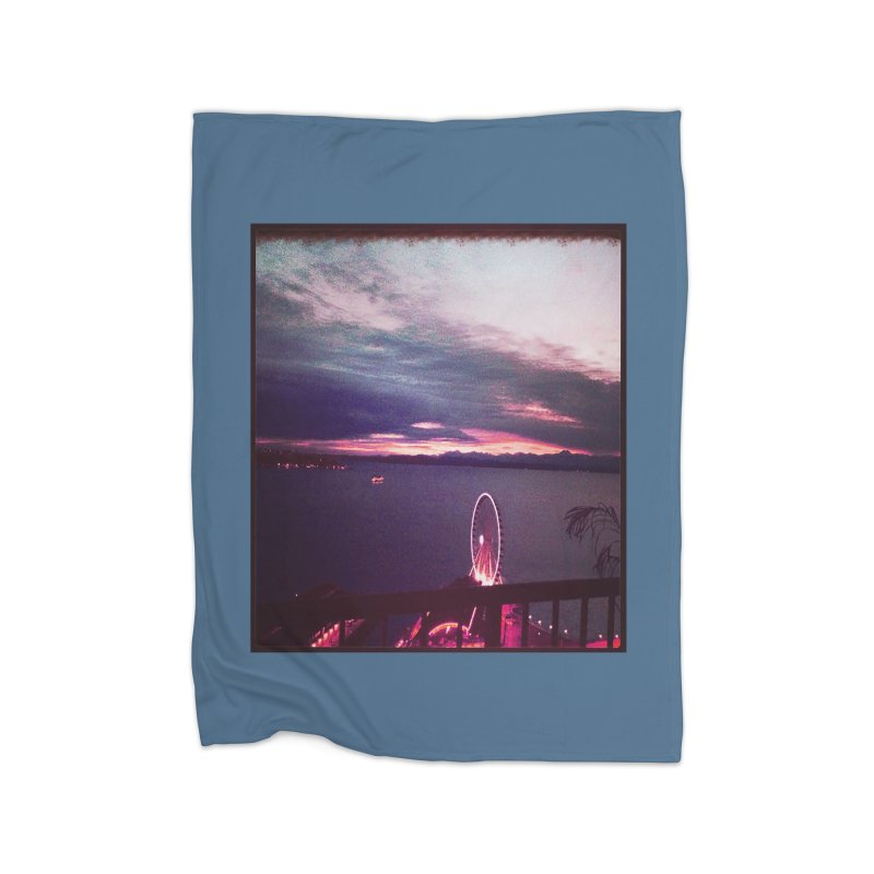 Seattle Sunset Wheel - Seattle Vibe Home Fleece Blanket by terryann's Artist Shop