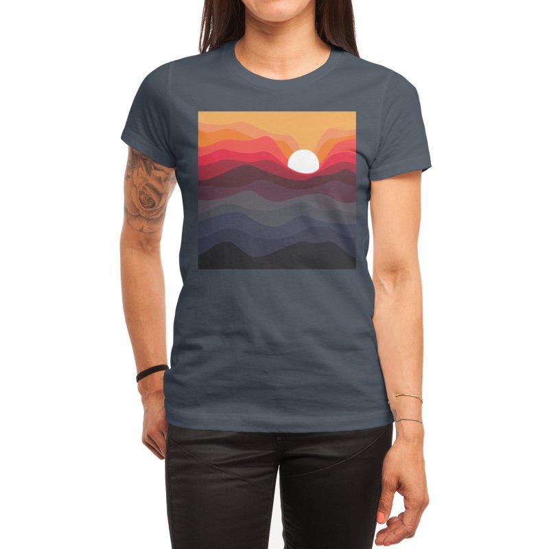 Outono Women's T-Shirt by Threadless Artist Shop