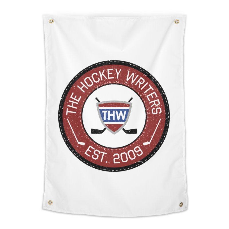Round Dark-edged THW logo Home Tapestry by The Hockey Writers